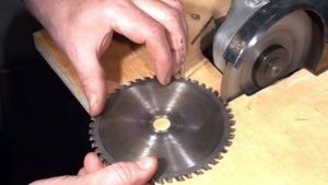 Как заточить пильный диск по дереву