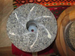 Как сделать жернова для мельницы своими руками