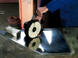 Как отполировать сталь до зеркального блеска