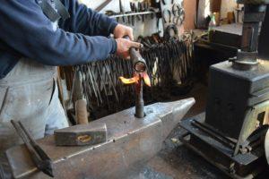Как ковать металл в домашних условиях