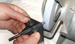 Как заточить сверло по металлу на точиле