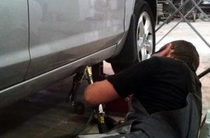 Как вытянуть порог на автомобиле своими руками