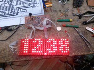 Часы на светодиодных матрицах своими руками