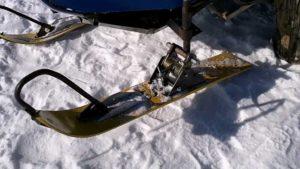 Как сделать лыжи для снегохода своими руками