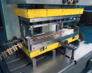 Пресс для штамповки листового металла
