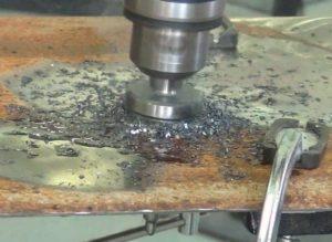 Сверление больших отверстий в листовом металле