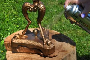 Как покрасить металл под старую бронзу