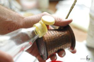 Как очистить медную турку снаружи