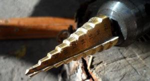 Как заточить ступенчатое сверло по металлу