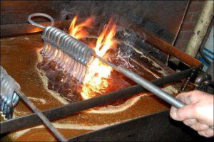 Закаливание металла в масле