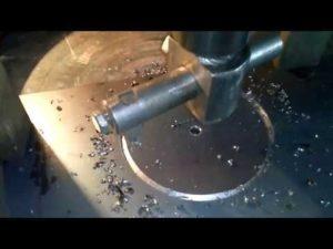 Как вырезать отверстие в металле большого диаметра