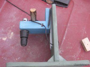 Сверлильный станок из шуруповерта своими руками
