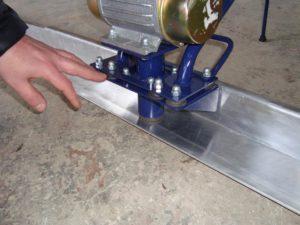 Виброрейка для укладки бетона своими руками