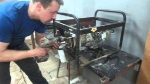 Как разобрать бензогенератор своими руками