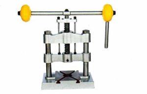 Пресс ручной механический настольный своими руками