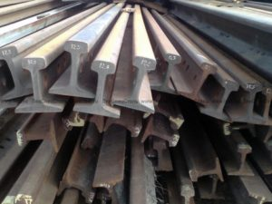 Из какого металла делают рельсы