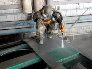 Гидроструйная очистка металлоконструкций