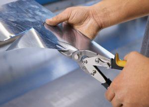 Как правильно резать ножницами по металлу