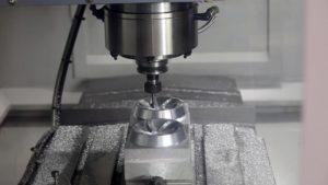 Как работать на фрезерном станке по металлу