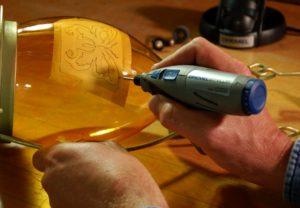 Как гравировать на металле в домашних условиях
