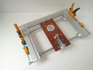 Приспособление для врезки дверных замков и петель