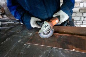 Чем обработать металл от ржавчины перед покраской
