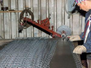 Производство сетки рабицы в домашних условиях