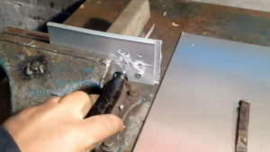 Как убрать заклепки с металла