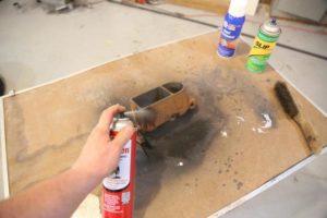 Удаление ржавчины с металла перед покраской