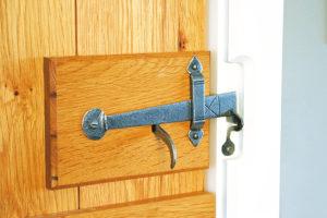 Как сделать замок на дверь своими руками