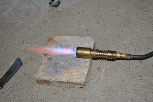 Самодельная газовая горелка для пайки меди