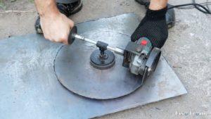 Как вырезать круг в металле