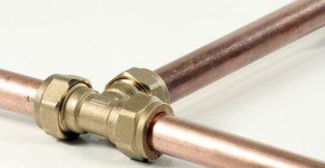 Как соединить медную трубу со стальной