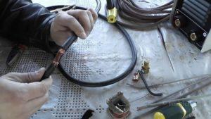 Как соединить сварочный кабель между собой