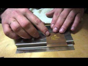 Нанесение надписи на металлическую поверхность